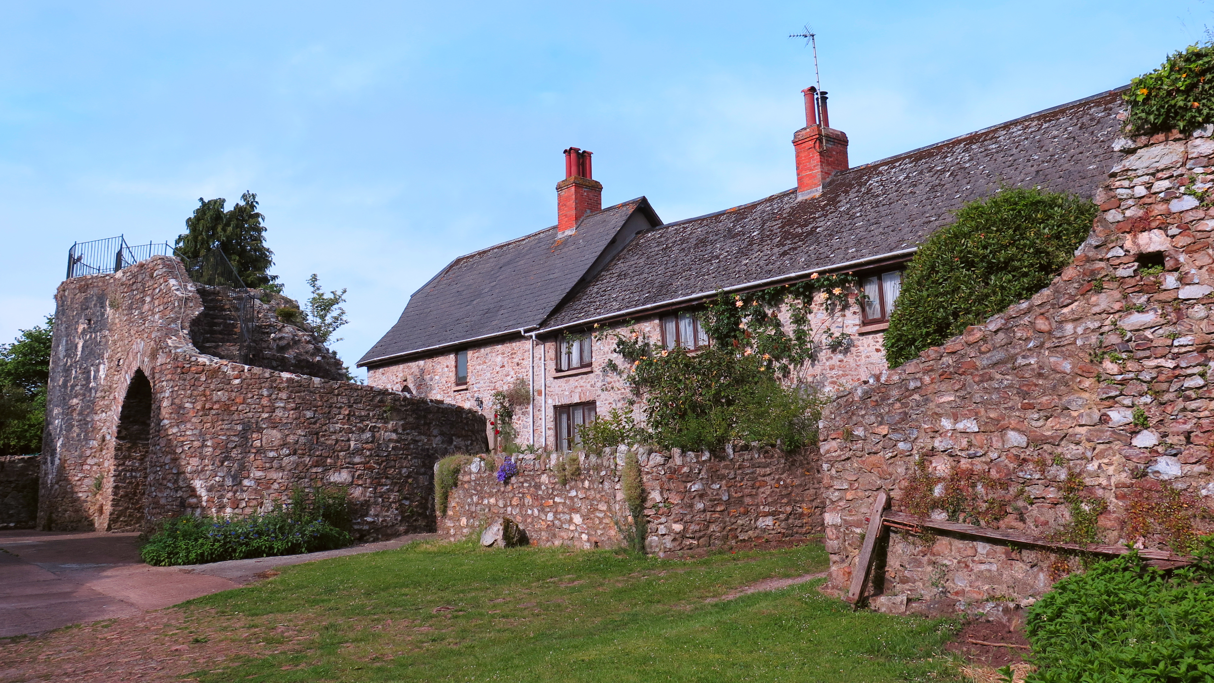 Hemyock Castle